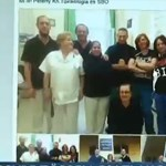 Videó: Gyűlnek a fekete ruhás ápolók a Facebookon