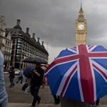 Elárulná kérem, miből szerzett százezer fontnál drágább ingatlant Nagy-Britanniában?