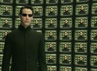 Úgy tűnik, Neo megtanítja repülni Trinityt a Mátrix 4-ben