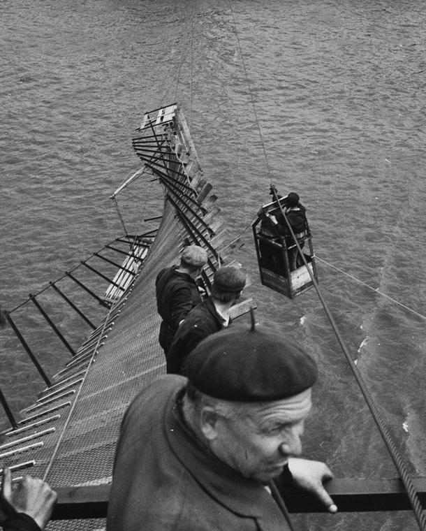 fortepan_! 1963. - Az Erzsébet híd építése, a leszakadt déli szerelőszőnyeg. - Erzsébet híd,nagyítás