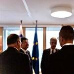 Szijjártó bejelentette, az összes visegrádi országból jöhetnek turisták a határzár ellenére is