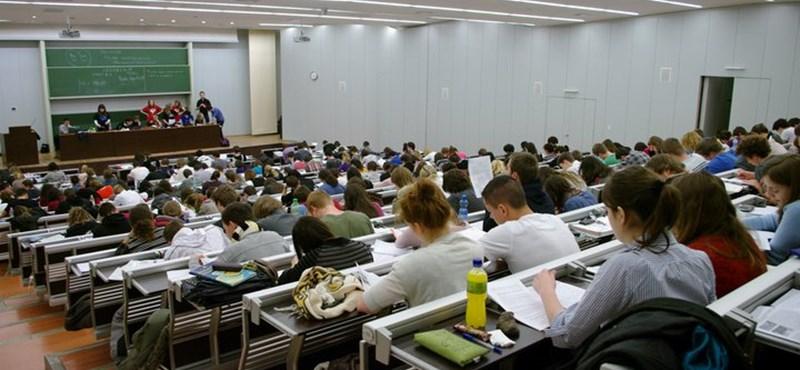 Ingyenes próbaérettségit szervez a Studium Generale, még jelentkezhettek