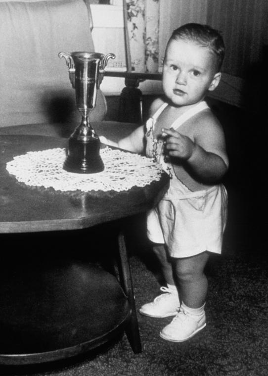 1947. - 1946. augusztus 19-én megszületett Clintonka. - CLNTNAGY