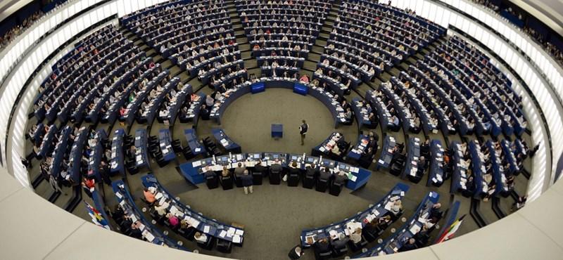 Nem szavazták meg a fideszesek a csalással kivitt EU-s pénzekről szóló határozatot