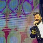 Ricky Martin a negyedik gyereket várja a férjével