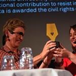 Az év nemzetközi jogvédője lett a Magyar Helsinki Bizottság társelnöke