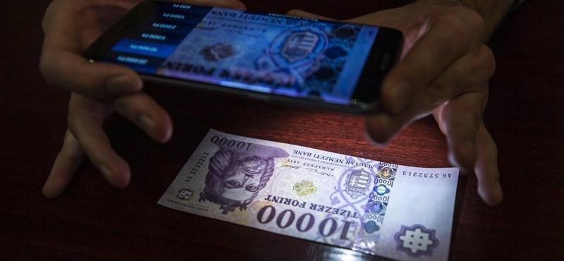 Itt egy applikáció, amely megmondja, hamis-e a bankjegy