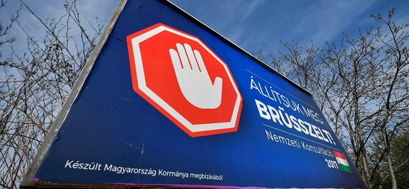 Megkerülhetetlen propaganda: íme a kormány piros kezes új plakátjai - fotók