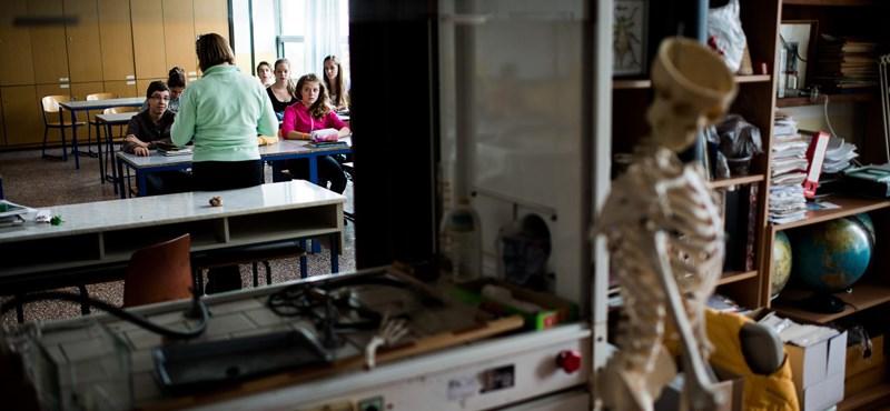 Több mint nyolcezer tanár kezdte el a portfólió feltöltését