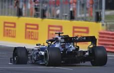 Hamilton rajt-cél győzelmet aratott a Brit Nagydíjon