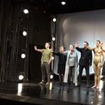 Tiltakozó akcióval ért véget a Katona József Színház hétfő esti előadása