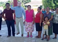 Kiakadtak egy mexikói város lakói, mert a kartonból készült mását küldte a polgármester egy rendezvényre maga helyett