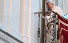 Súlyosan megbetegedett egy útja során XVI. Benedek