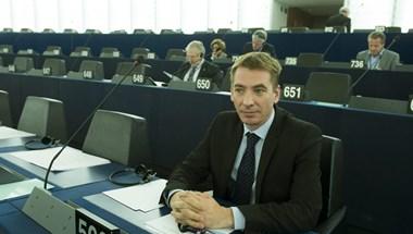 Jávor Benedek: A Fidesz sorosozó politikája finanszírozza a gangbang partikat és a jachtokat