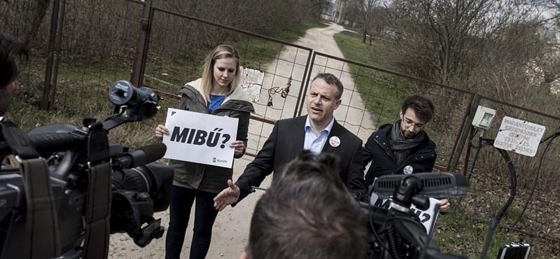 Juhász Péter becsöngetett Orbán Viktorhoz - fotók, videó
