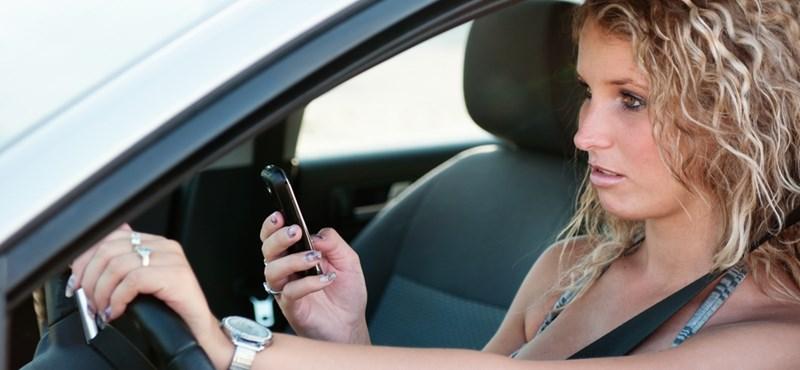 Szoftver tiltja az SMS-ezést