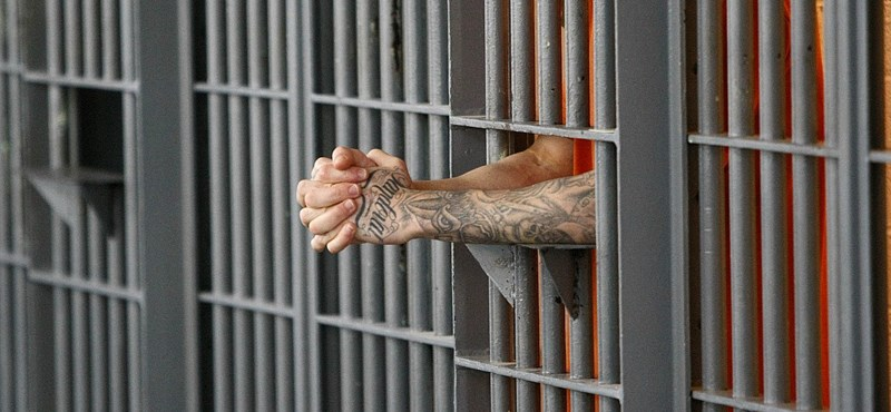 """Volt őrére támadt egy rab: """"ne csak a bv-ben legyél kemény"""""""