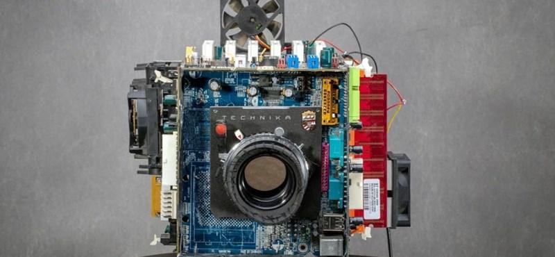 Fogta a 20 éves számítógépét, fényképezőgépet csinált belőle a fotós