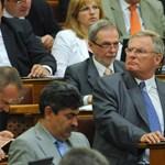 Az MSZP igennel szavazott a kormánypárti alkotmánybíró-jelöltekre