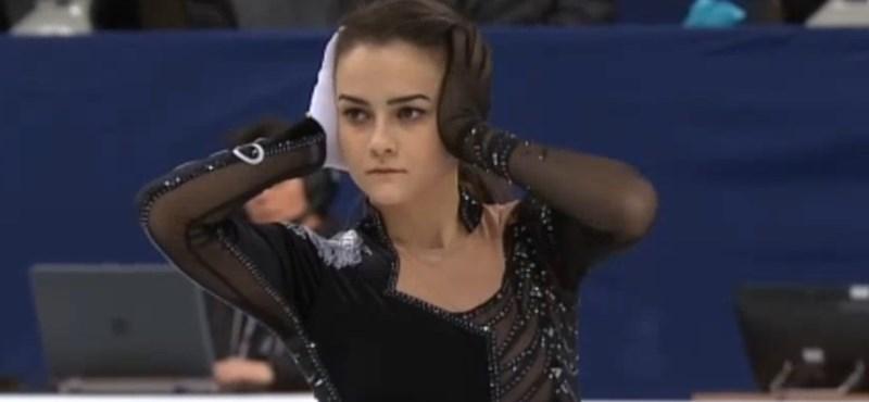 Olimpiai kvótáért korcsolyázik Tóth Ivett
