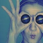 Úgy kukkolna utánunk a Facebook, hogy az szó szerint a frászt hozza az emberre