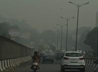 Annyira szennyezett a levegő Indiában, hogy az emberek már fizetnek is a tisztáért