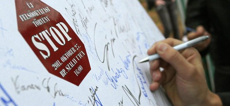"""Virrasztással tiltakoznak a Miskolci Egyetem """"leépítése"""" ellen"""