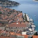 Magyar rendőrök is vigyáznak a nyaralókra Zadarnál