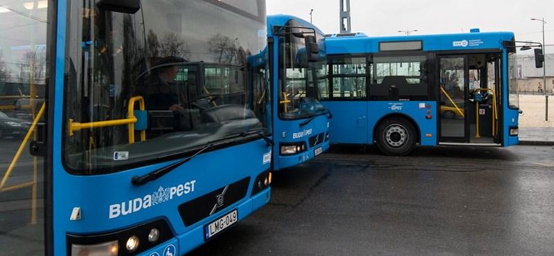 Tokjával együtt esett ki a 9-es busz ablaka a Margit hídnál