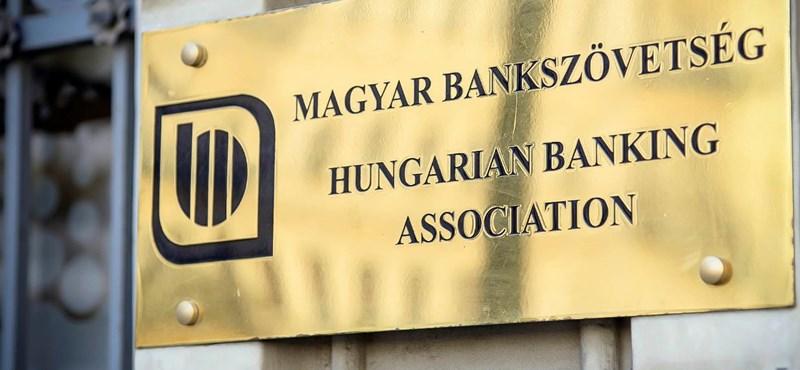 Bankszövetség is reagált Orbán bejelentésére: ha tehetjük, mérlegeljük a lehetőséget, hogy tovább fizetjük a hitelünket