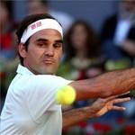 Roger Federer simán nyert, és negyeddöntős a Roland Garroson
