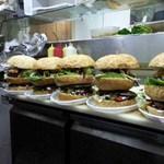 Skóciában 26 millió burgerre elegendő húst dobnak ki évente