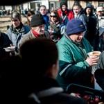 Több százan álltak sorban a kóser sóletért a Klauzál téren