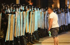 Fehérorosz elnökválasztás: sztrájk az üzemekben, utcára vonultak a munkások