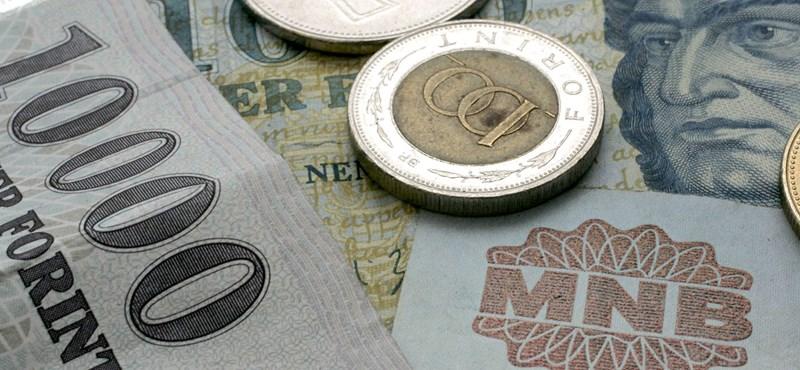 Visszakéri a kormány a választások előtt szétosztott uniós pénzeket