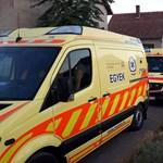 Problémás műszempillához riasztották a mentőket