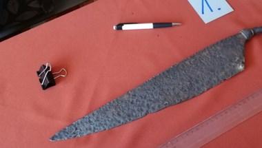 Több ezer éves kelta kés került elő egy szolnoki ruhásszekrényből