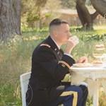 Fotók: így teáztak kislányaikkal az amerikai hadseregben szolgáló apukák