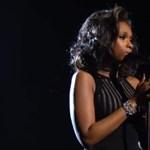 Borzongató előadással tisztelgett Whitney emléke előtt Jennifer Hudson