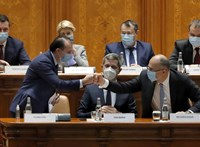 Alig alakult meg koalíció, máris veszekednek egymással a román kormánypártok