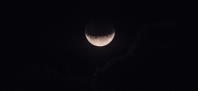 Látványos volt az esti holdfogyatkozás (képek)