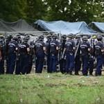 Rengeteg menekült tört ki Röszkénél, rohamrendőrök szállták meg a környéket