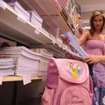 Állami segítséget követel az iskolakezdéshez az MSZP