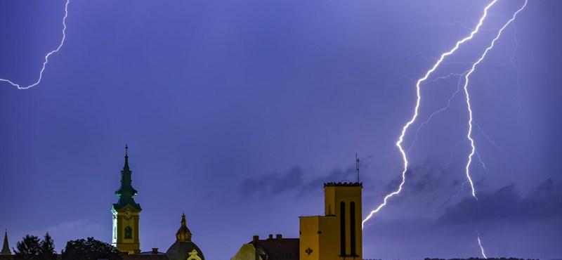 Viharral, felhőszakadással köszönt be az igazi ősz