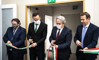 A magyar hírszerzés azt állítja, semmit nem tud a Szájer-ügyről