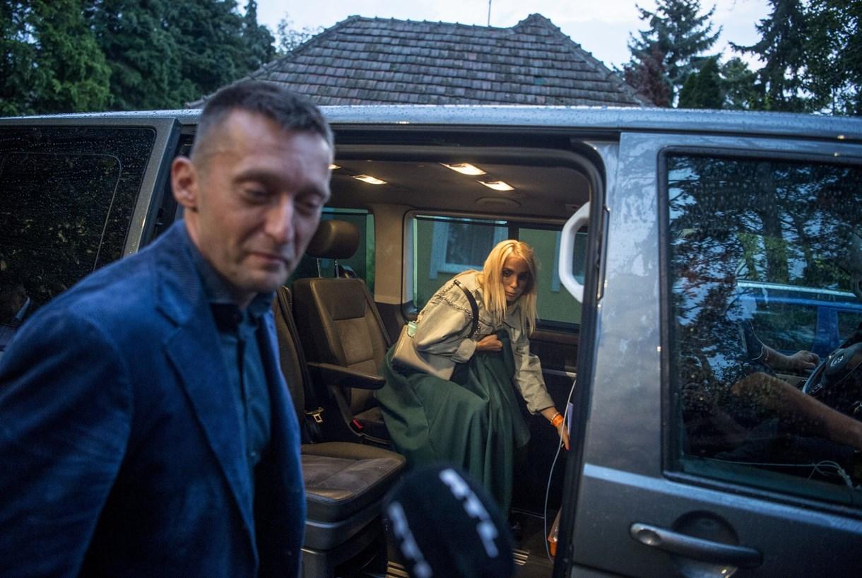 Mennyit árul el egy nyári kép Rogánék válásáról?