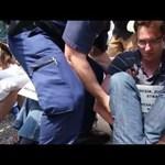 Videó: így viszik el a rendőrök Karácsony Gergelyt a Közgép elől