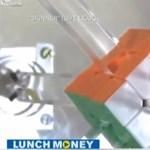 Videó: egyetlen másodperc alatt kirakták a Rubik-kockát