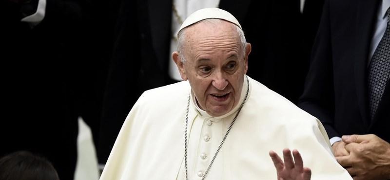 Ferenc pápa szerint erkölcsi kötelesség beadatni a védőoltást