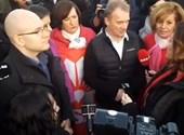 Bementek a Suzuki-gyár területére az ellenzéki képviselők – percről percre